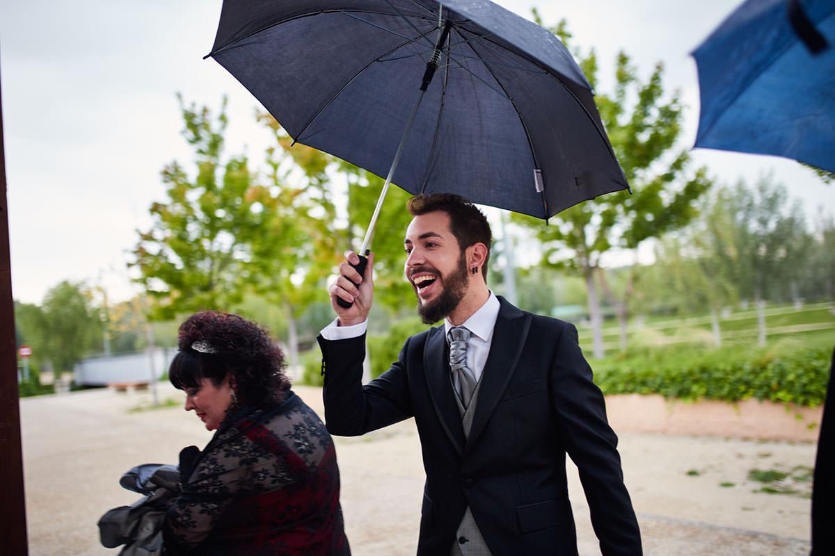 boda con lluvia en Zaragoza