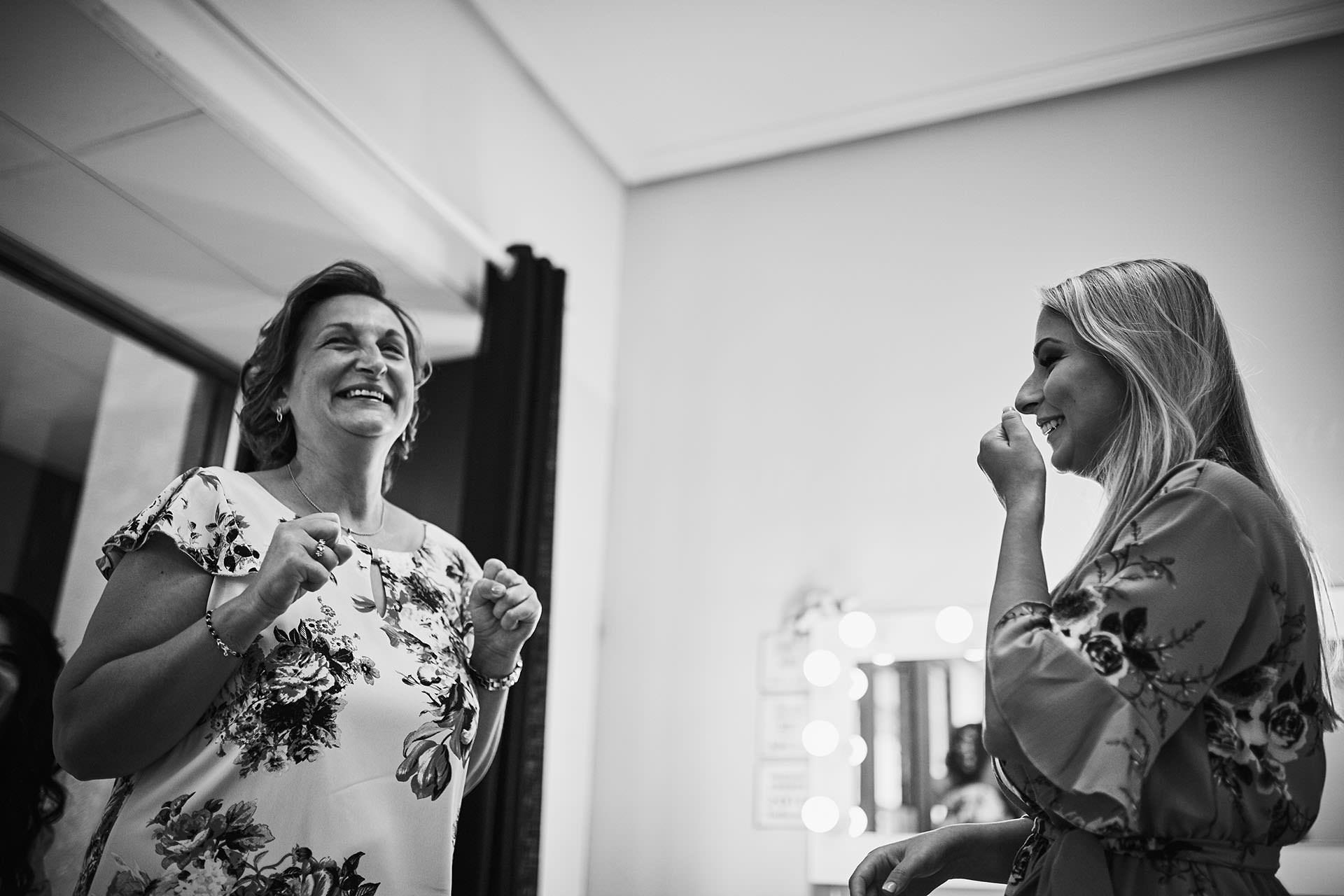 emocion madre hija boda