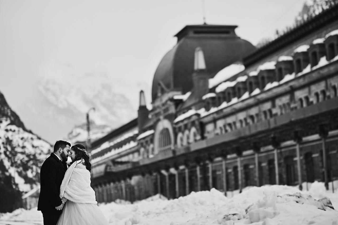 postboda con nieve en canfranc