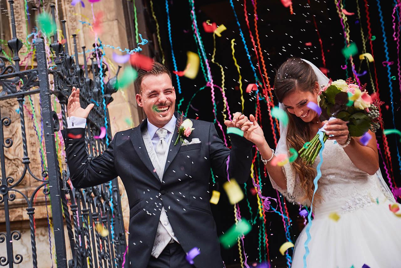 salida iglesia novios boda Zaragoza