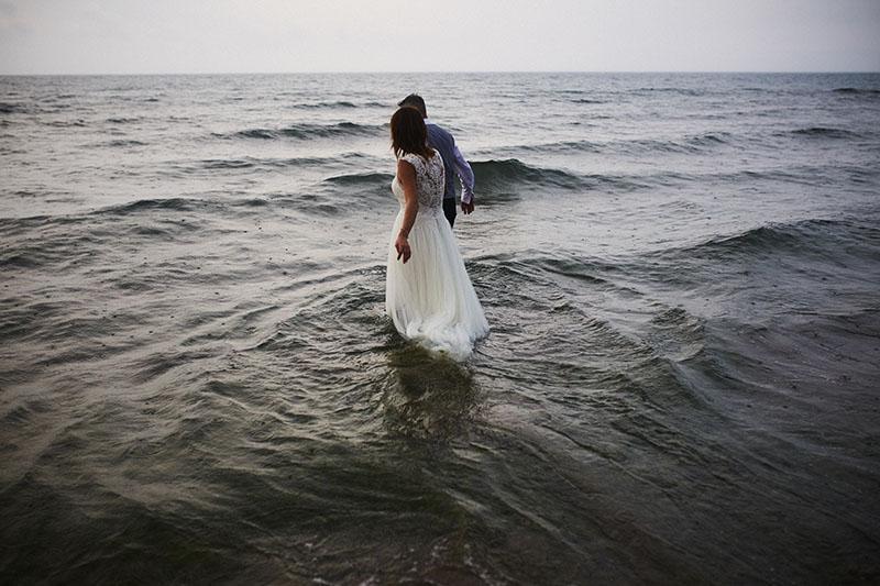 sea thrash the dress