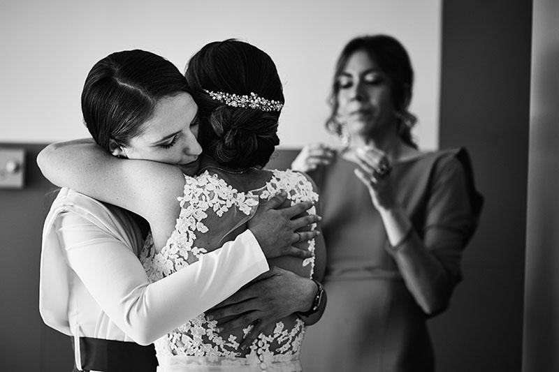 abrazos boda en Zaragoza