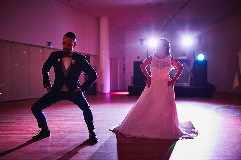 baile de novios divertido